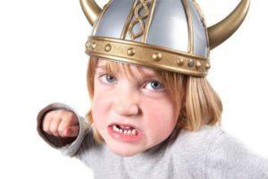 Что делать, если ребёнок пострадал от агрессии сверстников?