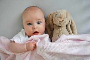 Что делать, если ребёнок «перепутал» день с ночью?